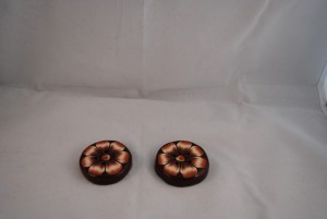 2 stuks 43 mm € 4.50 (Medium)