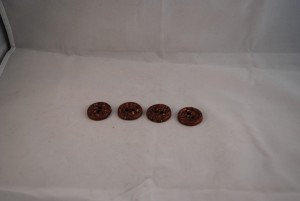4 stuks 25 mm € 1.50 (Medium)