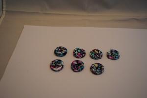 7 stuks 25 mm € 1.50 C (Medium)