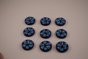 9 stuks 25 mm € 1.50 E (Medium)